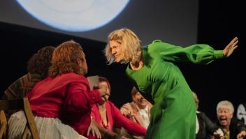 PALLAPUPAS organitza l'espectacle únic 'Una Nit de Bojos!' el Dia Internacional del Teatre!